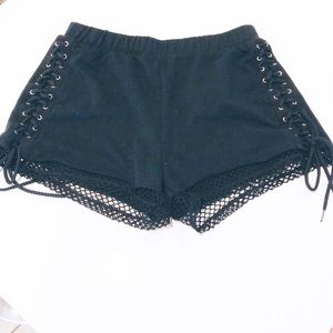 Hot Topic Black Lace Up Shorts    H132